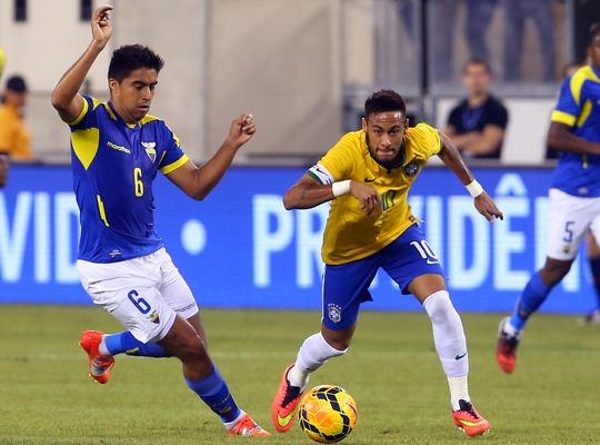Neymar là cầu thủ chơi hay nhất trong 2 trận giao hữu vừa qua của Brazil