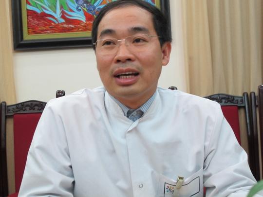 Bác sĩ Nguyễn Đình Hưng, Phó Giám đốc BV Đa khoa Xanh Pôn (Hà Nội) cho biết sưc skhoer bệnh nhân D. vẫn rất nguy hiểm