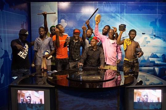 Tổng thống Burkina Faso từ chức, quân đội nắm quyền