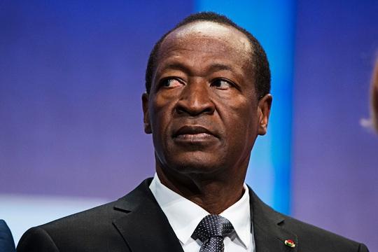 Ông Blaise Compaore cuối cùng đã tuyên bố từ chức. Ảnh: Reuters