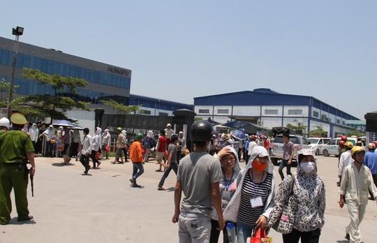 Công ty giày Hong Fu nơi xảy ra vụ hàng trăm công nhân ngộ độc nước vào sáng nay 15-5