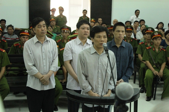 Hoãn xét xử vụ ụ nổi 83M vì vắng Dương Chí Dũng