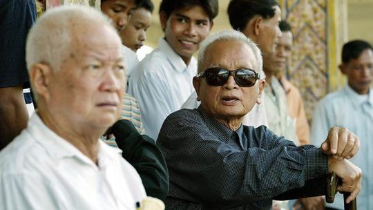 Khieu Samphan (trái) và Nuon Chea. Ảnh: Reuters