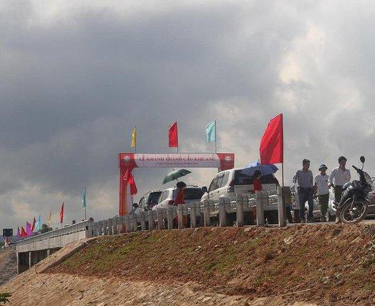 Cầu Khe Ang đã hoàn thành sau 6 tháng thi công