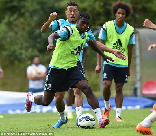 Cầu thủ trẻ Boga cố gắng gây ấn tượng với thầy Mourinho