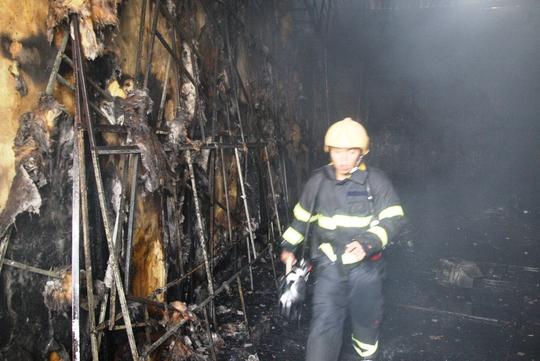 Đến khi lực lượng PCCC dập lửa xong thì mọi thứ cũng đã thành tro