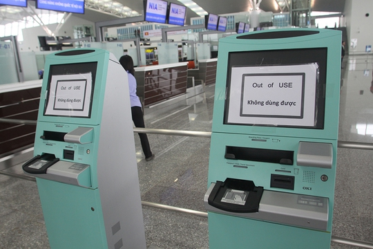 Tuy vậy một số thiết bị như máy check-in tự động vẫn chưa đi vào hoạt động chính thức
