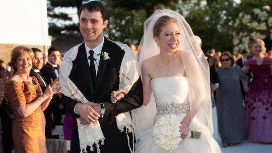 Chelsea Clinton trong đám cưới trang trọng năm 2010. Ảnh: CBS