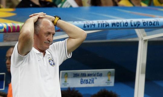 Nỗi thất vọng của HLV Scolari trong trận giải ba với Hà Lan
