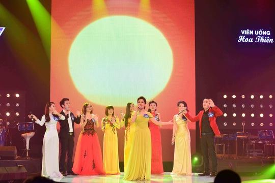 """Ai nổi bật """"Tiếng hát truyền hình TP HCM"""" năm nay?"""