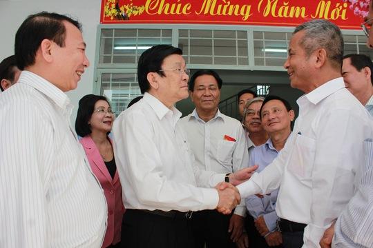 Chủ tịch nước Trương Tấn Sang trao đổi cùng Chủ tịch Tổng LĐLĐ Việt Nam Đặng Ngọc Tùng  về xây dựng nhà ở cho công nhân