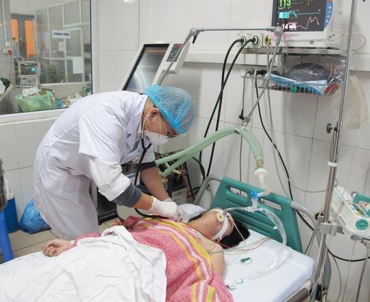 Chăm sóc bệnh nhân tại BV Bệnh Nhiệt đới Trung ương những ngày giáp Tết nguyên đán 2014
