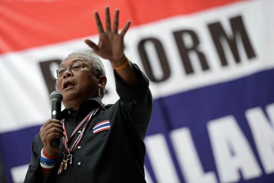 Cựu Phó Thủ tướng và hiện là thủ lĩnh biểu tình chống chính phủ Suthep Thaugsuban