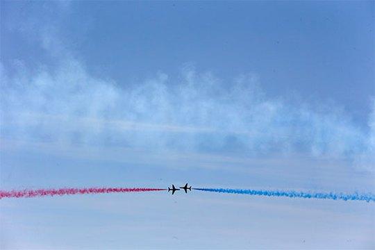 Không quân Hoàng gia Anh biểu diễn kỉ niệm sự kiện D-Day tại Portsmouth, miền nam nước Anh hôm 5-6. ảnh: Reuters