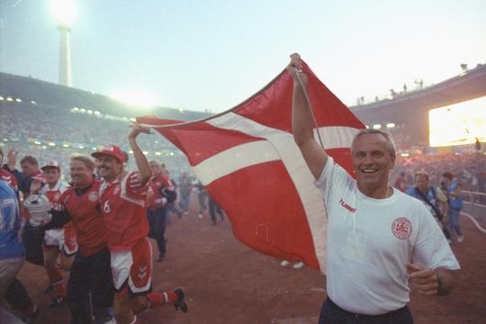 HLV Moller Nielsen cùng Đan Mạch vô địch Euro 1992