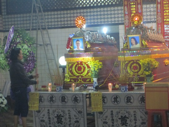 Nhiều người đau đớn trước sự ra đi khi còn quá trẻ của 2 chị em Trần Trân Trân và Trần Chấn Huy