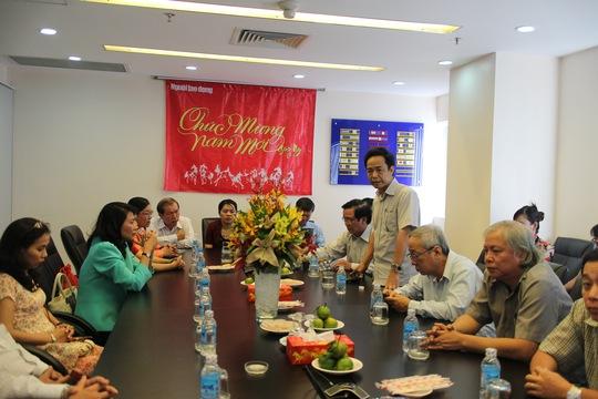 Ông Đỗ Danh Phương, Tổng Biên tập Báo Người Lao Dộng trình bày phương hướng phát triển của báo trong năm 2014
