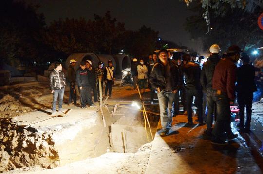 Quan tài còn nguyên vẹn được phát hiện nằm ngay giữa đường phố Thanh Nhàn ở độ sâu 3 m