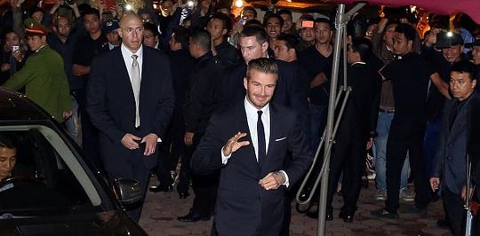 Anh vẫy tay chào người hâm mộ. Ảnh: Getty Images