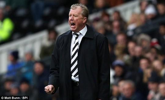 HLV Derby - ông Steve McClaren - một trong những ứng cử viên HLV Crystal Palace