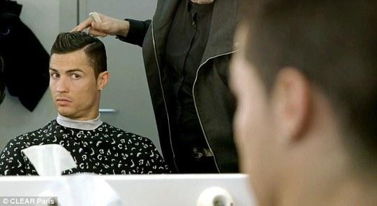 Cristiano Ronaldo ngày càng điệu!
