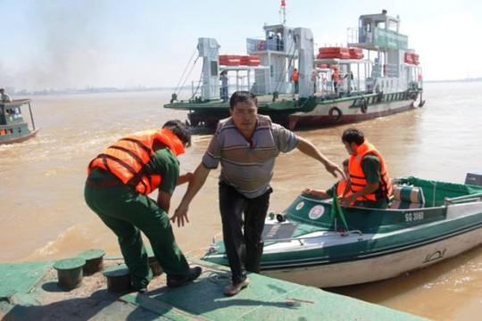 Lực lượng chức năng kịp thời có mặt để cứu hộ, cứu nạn