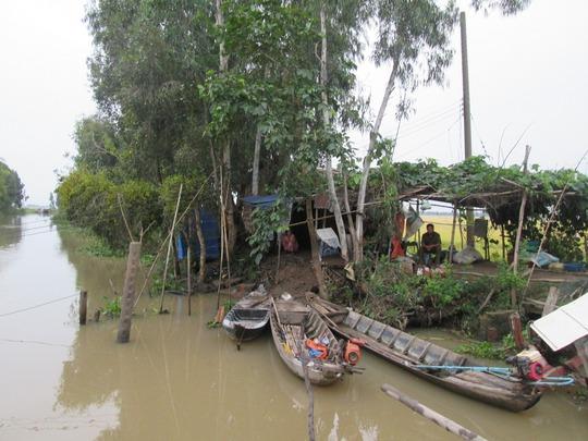 Hiện trường vụ tại nạn, nơi có đường dây điện mắc ngang kênh
