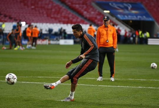 Chung kết Champions League: Ronaldo ra sân, HLV Simeone tung hỏa mù