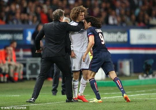 Luiz sẽ là đồng đội của Cavani trong mùa bóng mới