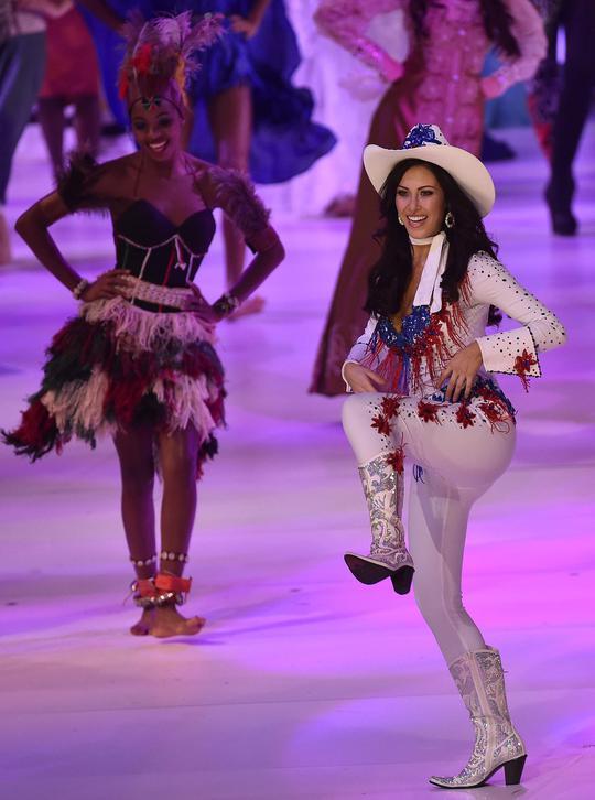Hoa hậu Mỹ ấn tượng trong trang phục cao bồi viễn Tây. ảnh: Reuters