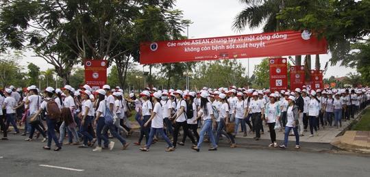 Hơn 5.000 người đồng hành chống dịch sốt xuất huyết