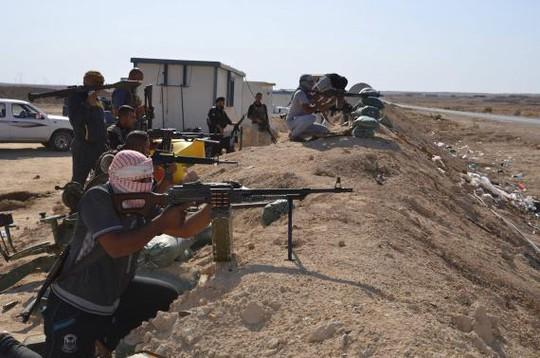 Lực lượng chống IS được huấn luyện tại Iraq. Ảnh: Reuters