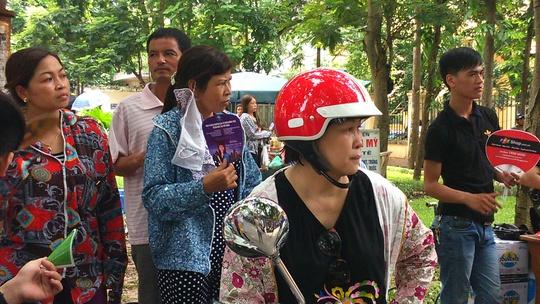 Phụ huynh ở Hà Nội ngóng con thi môn địa lý