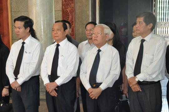 Đoàn lãnh đạo TP HCM viếng và chia buồn cùng gia đình bà Võ Thị Thắng