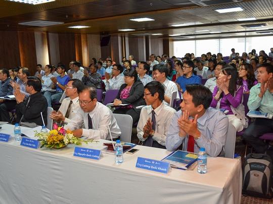 Hơn 120 giáo viên đến từ các Trường THPT tại TPHCM, trong đó có nhiều trường ở Hóc Môn, Củ Chi, Nhà Bè... cũng đã có mặt tại hội thảo