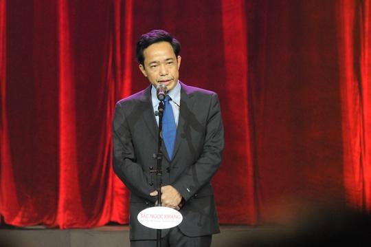 Nhà báo Đỗ Danh Phương - Tổng Biên tập Báo Người Lao động –Trưởng ban tổ chức Giải Mai Vàng 2013