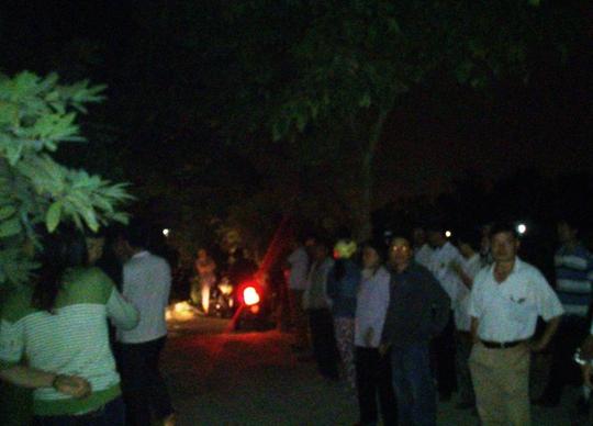 Nhiều người dân ở khu phố Phú Thứ bàng hoàng trước cái của chị Bích