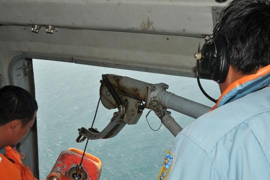 Trực thăng Mi 171 tìm kiếm máy bay mất tích vào sáng nay