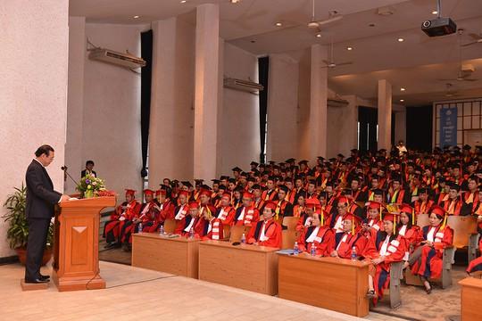 Lễ khen thưởng học viên tốt nghiệp ưu tú của Trường ĐH Y Dược TP HCM. Ảnh: Website trường