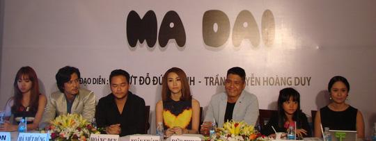 Ngoài Đức Thịnh, Ngân Khánh, phim còn có sự tham gia của Thái Hóa, Hoài Linh, Hary Won, Hà Việt Dũng, bé Thanh Mỹ