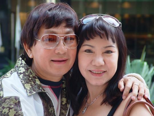 NSƯT Minh Phụng và Kiều Tiên tại Nhà hát TP năm 2002.