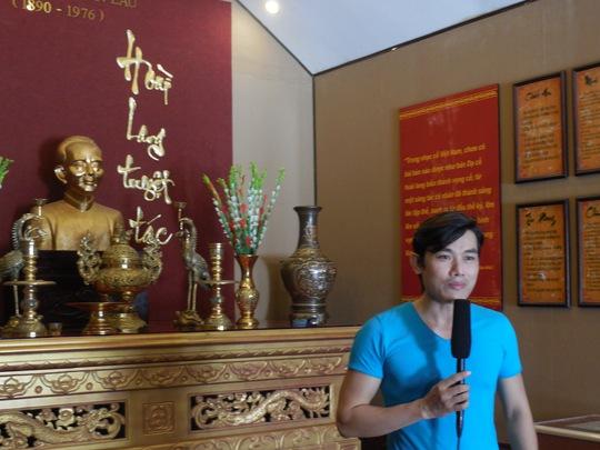 Võ Thanh Tiền (Nhà hát cải lương Trần Hữu Trang) giới thiệu về công trình xây dựng Khu lưu niệm cố nhạc sĩ Cao Văn Lầu