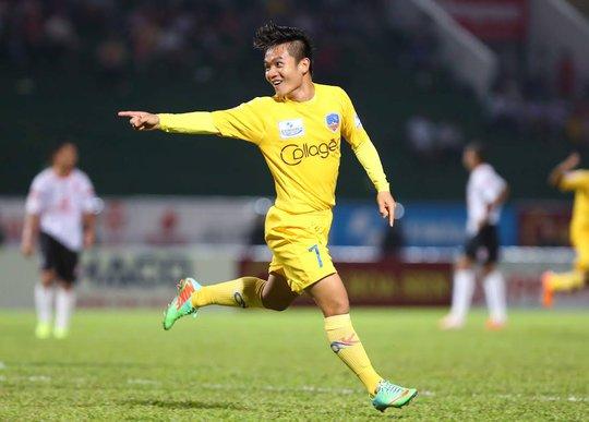 Đinh Thanh Trung có một ngày thi đấu xuất sắc