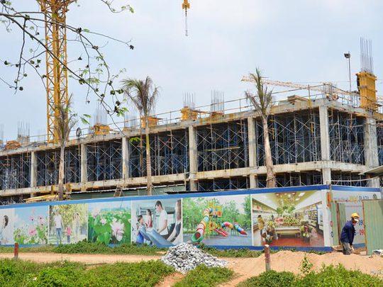 Dự án HQC Plaza đang xây dựng tại huyện Bình Chánh, TP HCM. Ảnh: TẤN THẠNH