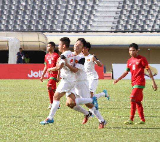 Hồng Duy nâng tỉ số lên 2-0
