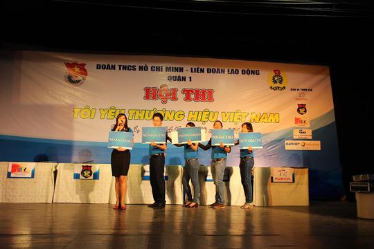 Các đội trong phần thi tự giới thiệu về đơn vị