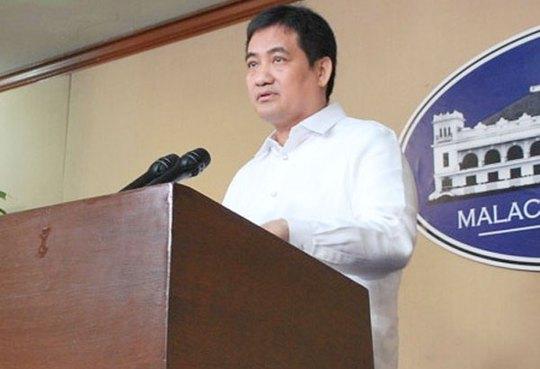 Edwin Lacierda, phát ngôn viên của tổng thống Philippines. Ảnh: Philstar