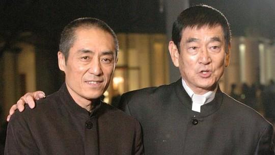 Takakura và Trương Nghệ Mưu. Ảnh: Xinhua