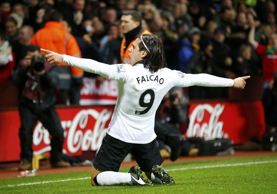Falcao đã ghi bàn trở lại hứa hẹn cho một cuộc tăng tốc của M.U