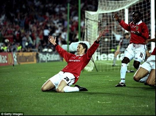 Solskjaer ghi bàn quyết định giúp M.U vô địch Champions League năm 1999